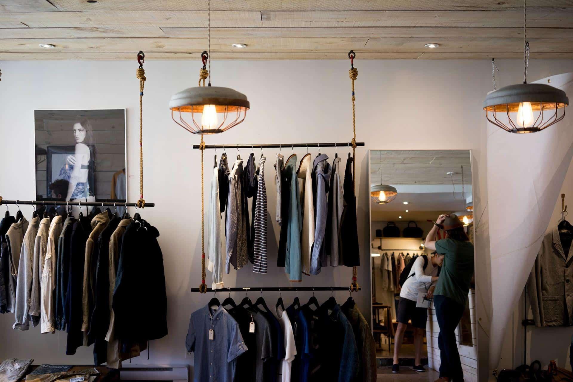clothing store 984396 1920 - Glasheizungsstrahler und Wärmespiegel