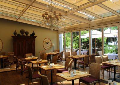 restaurant-2526238_1920