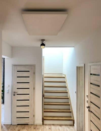 korytarz ogrzewany promiennikami 400x516 - Ogrzewanie domu